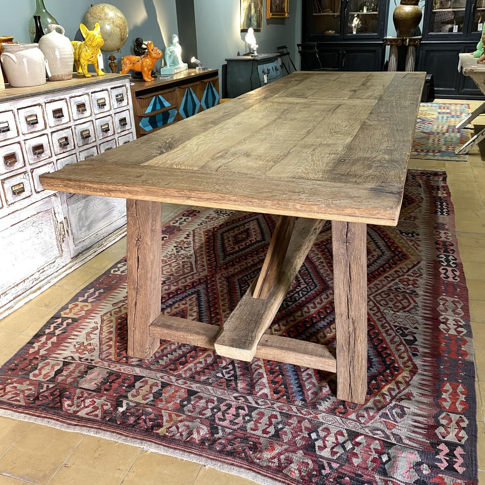 mesa de madera antigua de...