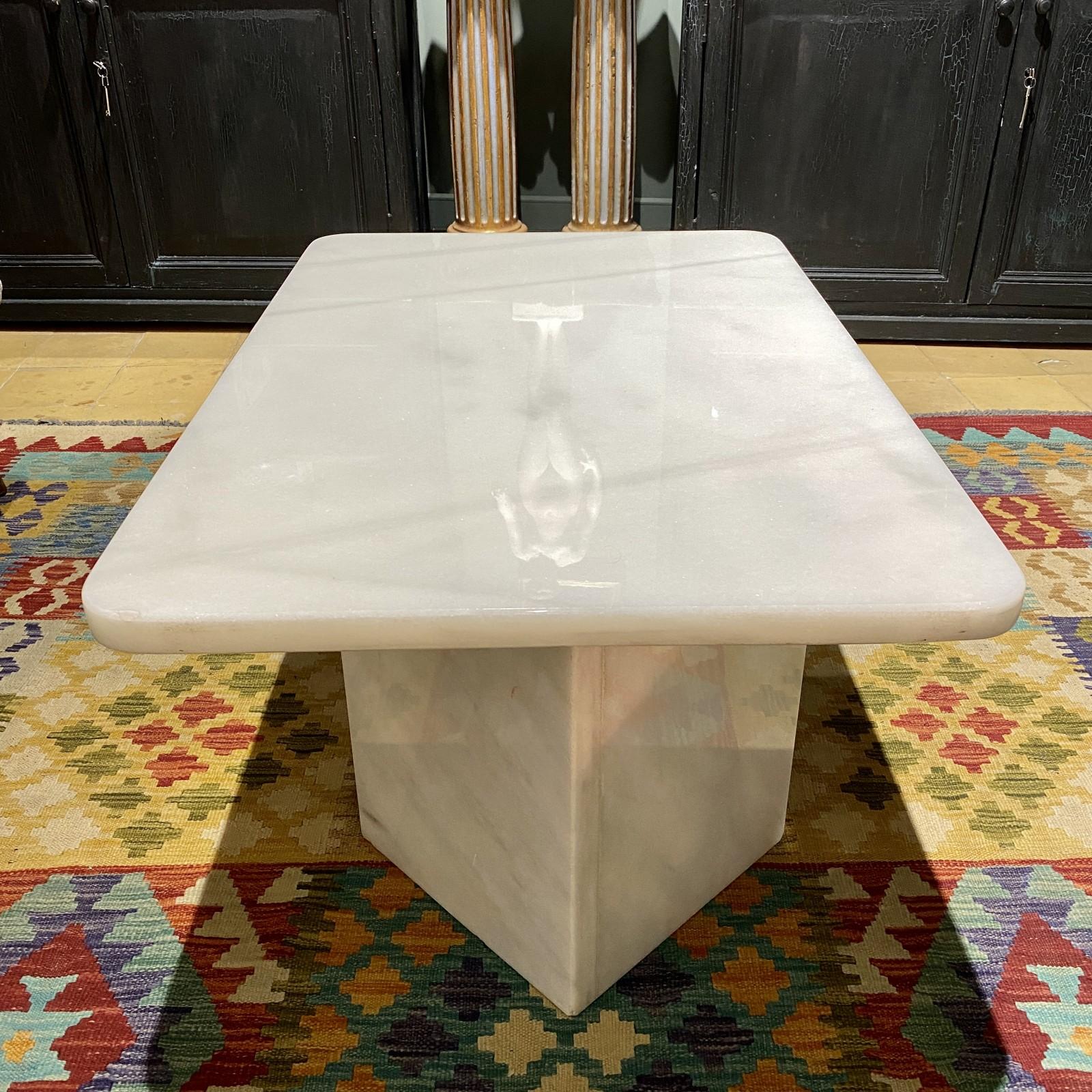 mesa de mármol de Carrara