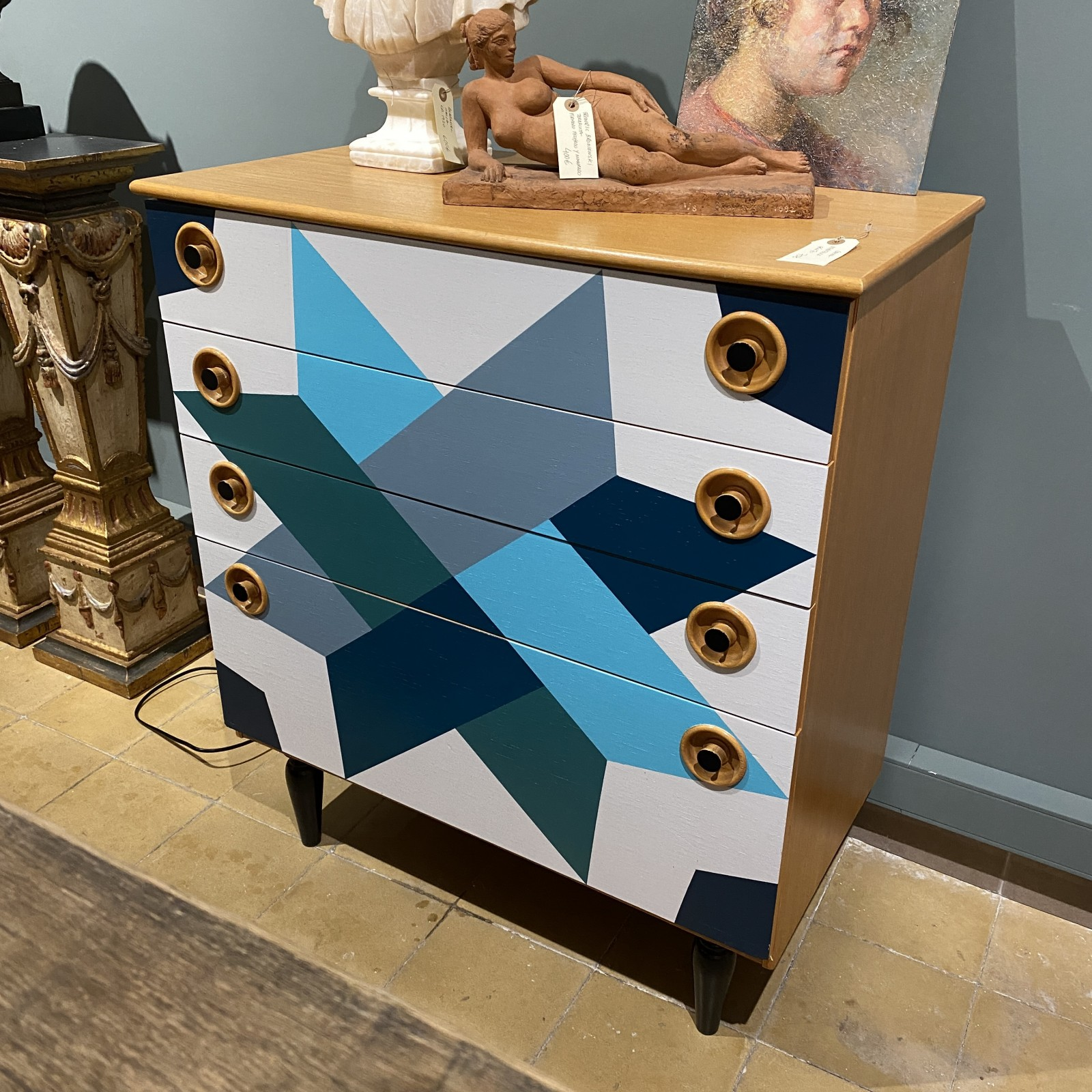 70's chest of drawers