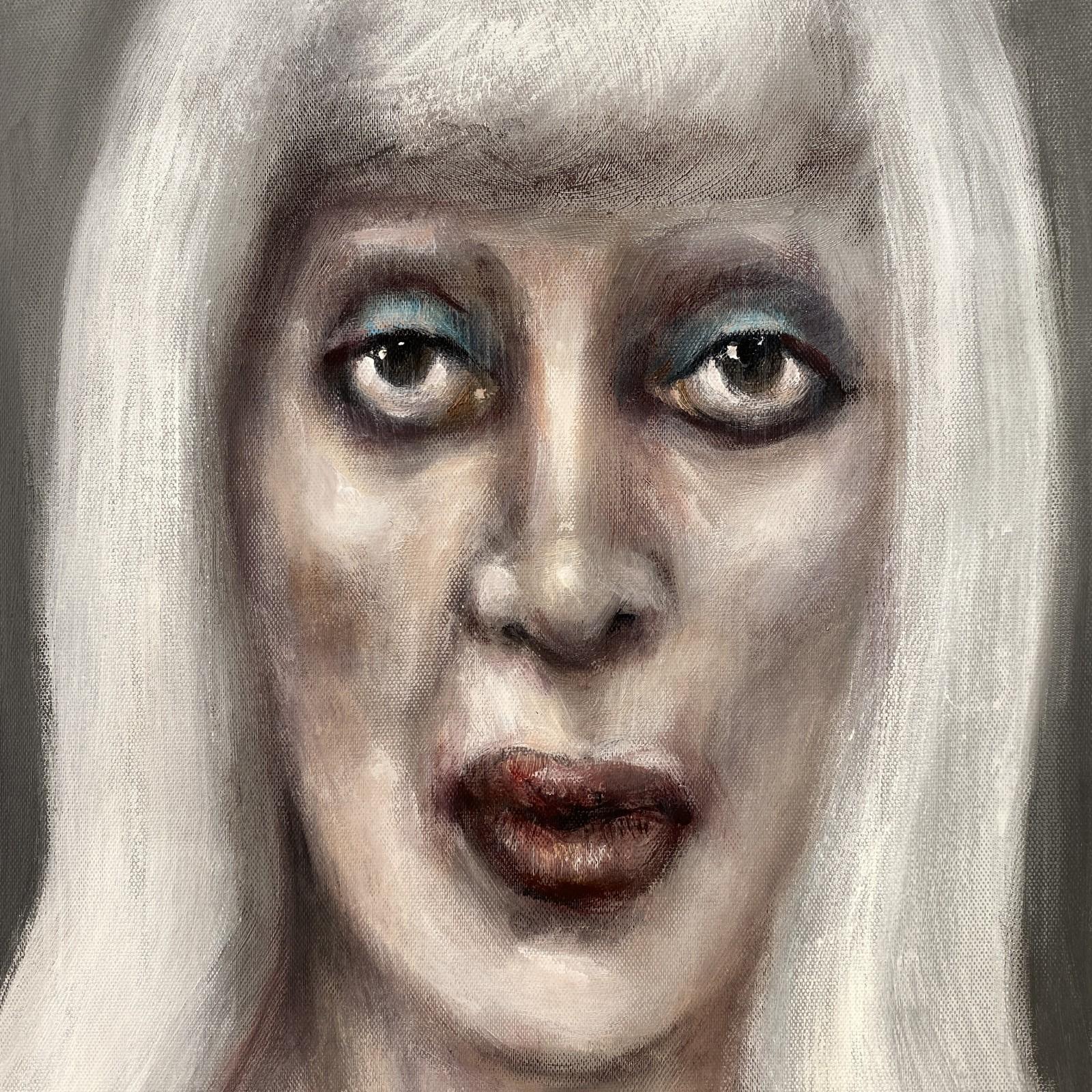 'green eyeshadow' por...