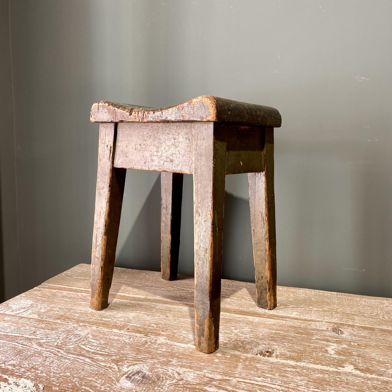 taburete de madera siglo XIX